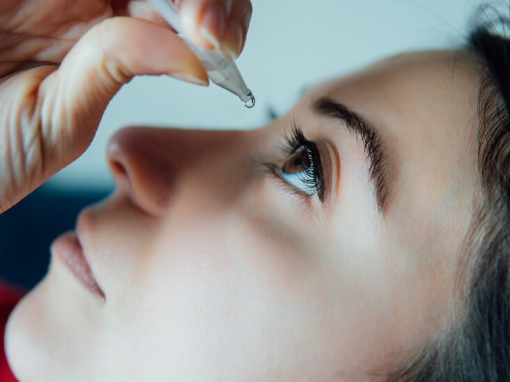 Top 7 Beauty Benefits of Castor Oil for Eyes